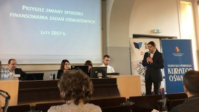 Burmistrz Leszek Kawski i jego zastępca Wojciech Bereza wzięli udział w warsztatach konsultacyjnych na temat zmian w finansowaniu oświaty