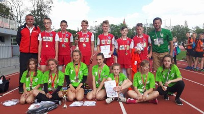 Mistrzowie i wicemistrzynie województwa w Igrzyskach Młodzieży Szkolnej w Czwórboju LA (2)