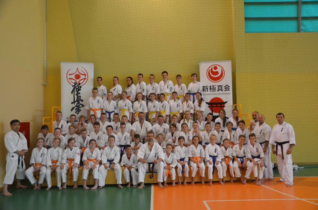 Wakacyjne szkolenia karateków - obóz sportowy na Kaszubach - dla zawodników 10 - 14 lat (1)