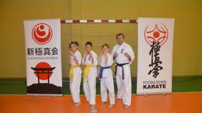 Wakacyjne szkolenia karateków - obóz sportowy na Kaszubach - dla zawodników 10 - 14 lat (2)