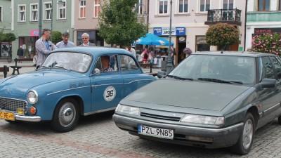 Pchli targ i wystawa zabytkowych samochodów - sierpień 2017 r (1)