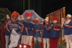 Spektakl- Przygody smerfów-w wykonaniu rodziców i nauczycieli 11