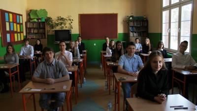 Na zdjęciu uczniowie Gimnazjum nr 1 przed testami z języka polskiego. Egzaminy trwają od 18 - 20 kwietnia