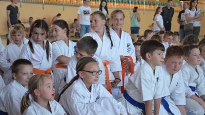 Wąbrzescy karatecyzdobyli 5 medali na I Regionalnym Turnieju Karate Kyokyshin (Kumite) w Gałczewie.9.06.2018r. 3