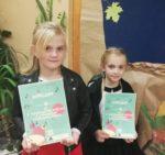 Na zdjęciu od lewejZuzanna Rusinek, Laura Osiadacz - odniosły sukces na I Konkursie Pieśni i Utworów Patriotycznych w Golubiu-Dobrzyniu.Listopad 2018r.