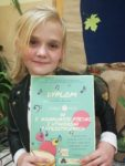 Uczennice Szkoły Podstawowej nr 2 Laura Osiadacz i Zuzanna Rusinek odniosły sukces na I Konkursie Pieśni i Utworów Patriotycznych w Golubiu-Dob
