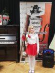 Uczennice Szkoły Podstawowej nr 2 Laura Osiadacz i Zuzanna Rusinek odniosły sukces na I Konkursie Pieśni i Utworów Patriotycznych w Golubiu-Dob (3)