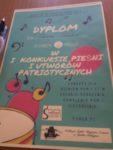 Uczennice Szkoły Podstawowej nr 2 Laura Osiadacz i Zuzanna Rusinek odniosły sukces na I Konkursie Pieśni i Utworów Patriotycznych w Golubiu-Dob (5)