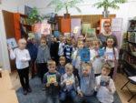 Uczniowie klas pierwszych SP 2 przeszli pasowanie na czytelnika biblioteki szkolnej. Listopad 2018 r.Fot. SP2 (1)