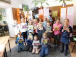 Uczniowie klas pierwszych SP 2 przeszli pasowanie na czytelnika biblioteki szkolnej. Listopad 2018 r.Fot. SP2 (4)