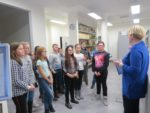 Uczniowie kl. VI SP 2 na lekcji bibliotecznej w Miejskiej i Powiatowej Bibliotece Publicznej - 4 grudnia 2018r (2)