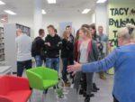 Uczniowie z Zespołu Szkół Zawodowych w MiPBP na lecji bibliotecznej (3)
