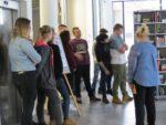 Uczniowie z Zespołu Szkół Zawodowych w MiPBP na lecji bibliotecznej (4)