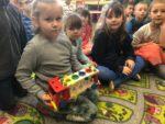 LGD Ziemia Wabrzeska przekazała przedszkolakom z oddziałów przedszkolnych SP 2 i SP 3 ekologiczne pakiety edukacyjne - 28 lutego 2019 r (1)