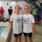 Wąbrzeskie pływaczki na zawodach w Gdańsku. Od lewej-Oliwia Makowska, Wiktoria Świś